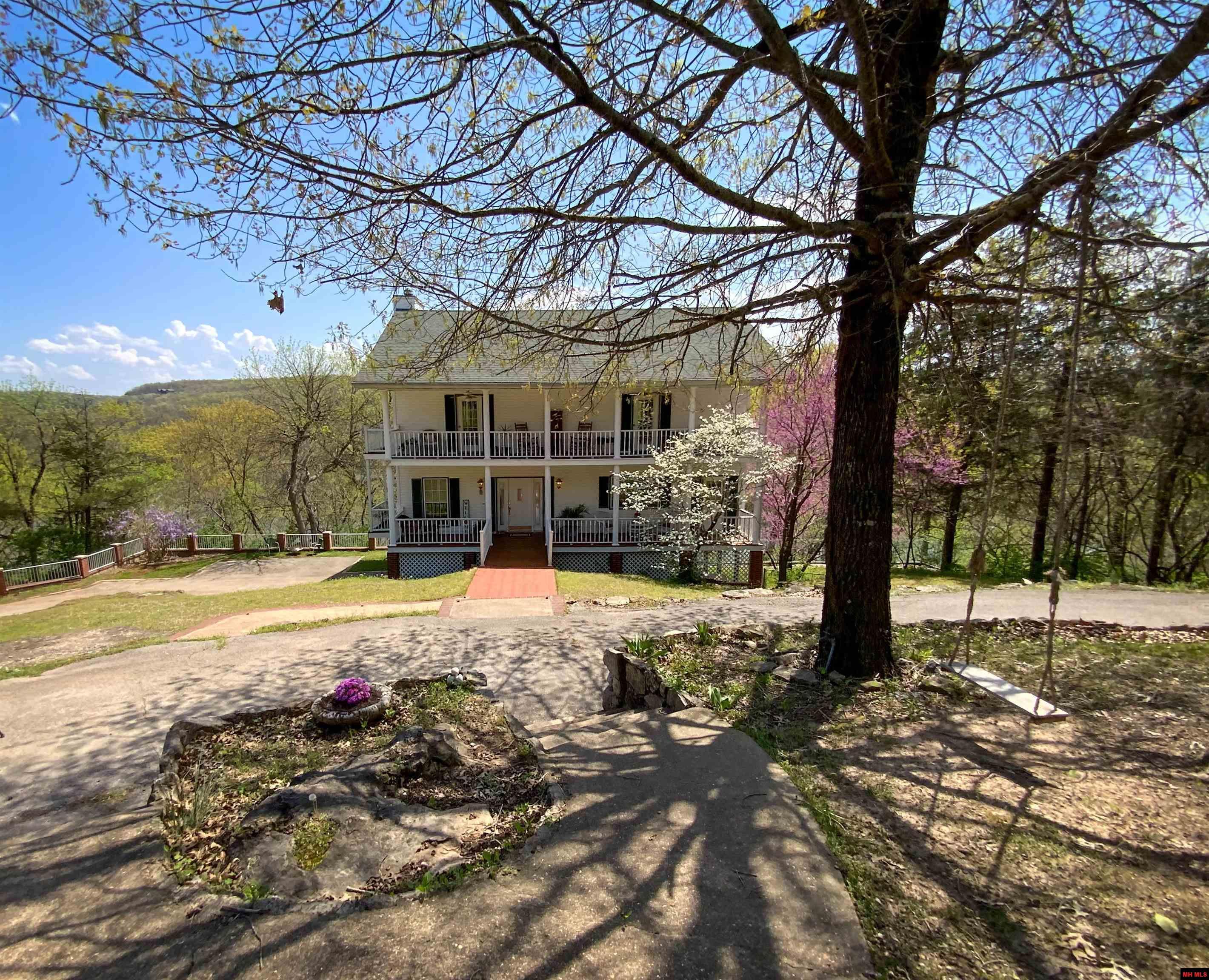 Residential for sale – 571  ISLAND HEAD LANE   Flippin, AR