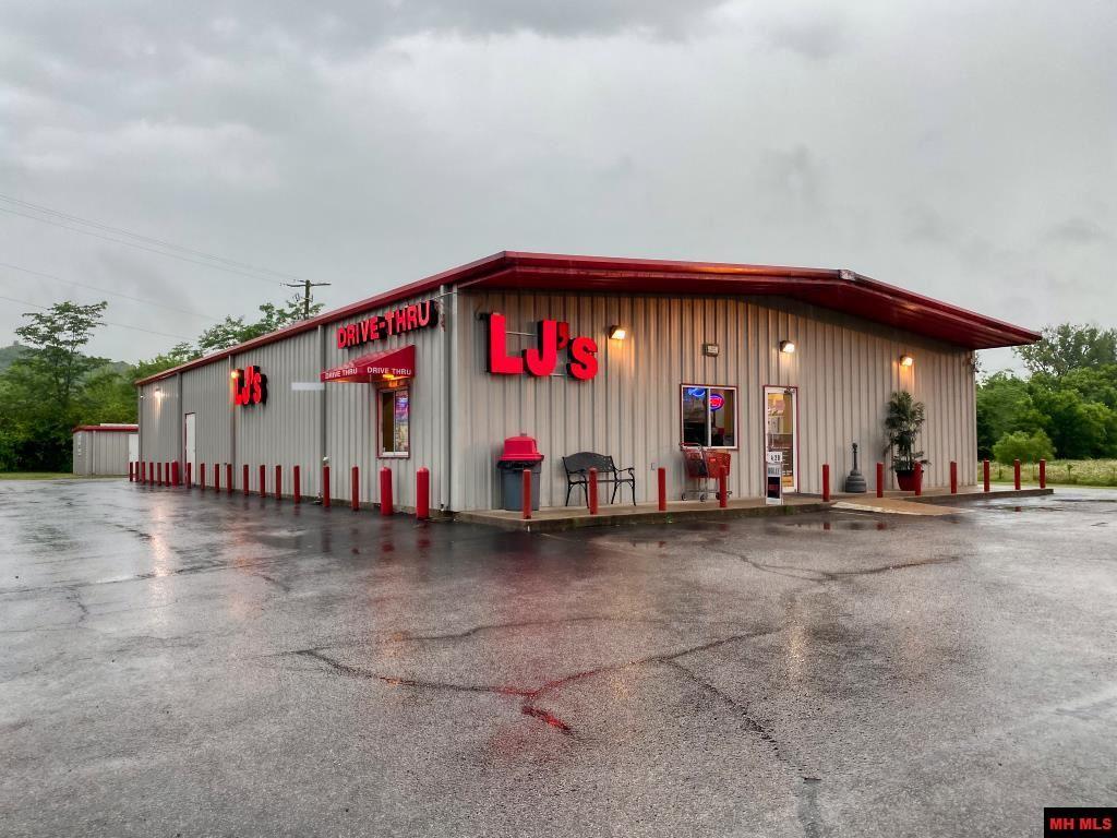 Commercial-Industrial for sale – 10339  HWY 62 WEST   Pyatt, AR