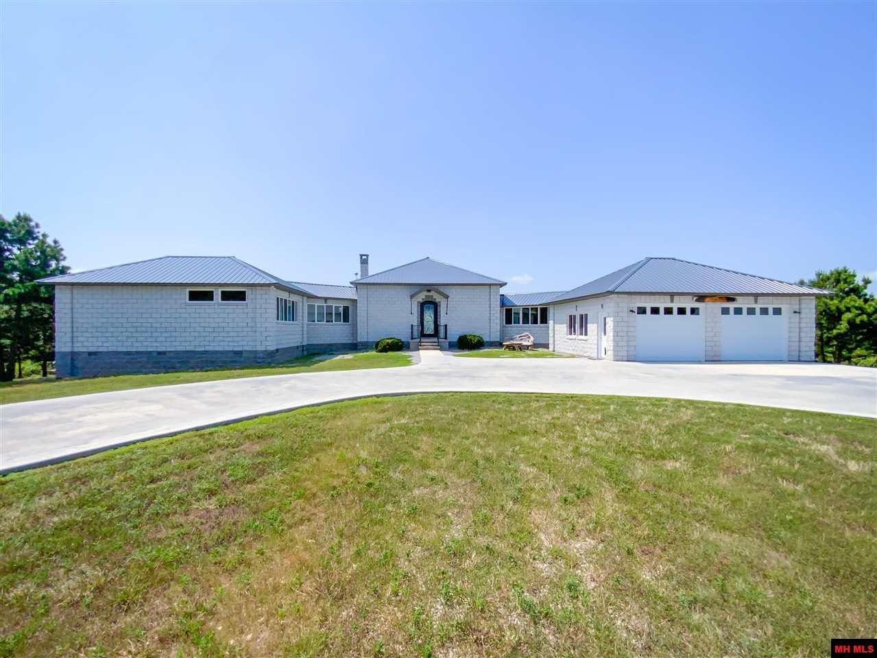 Residential for sale – 629  MILLER RIDGE LANE   Yellville, AR