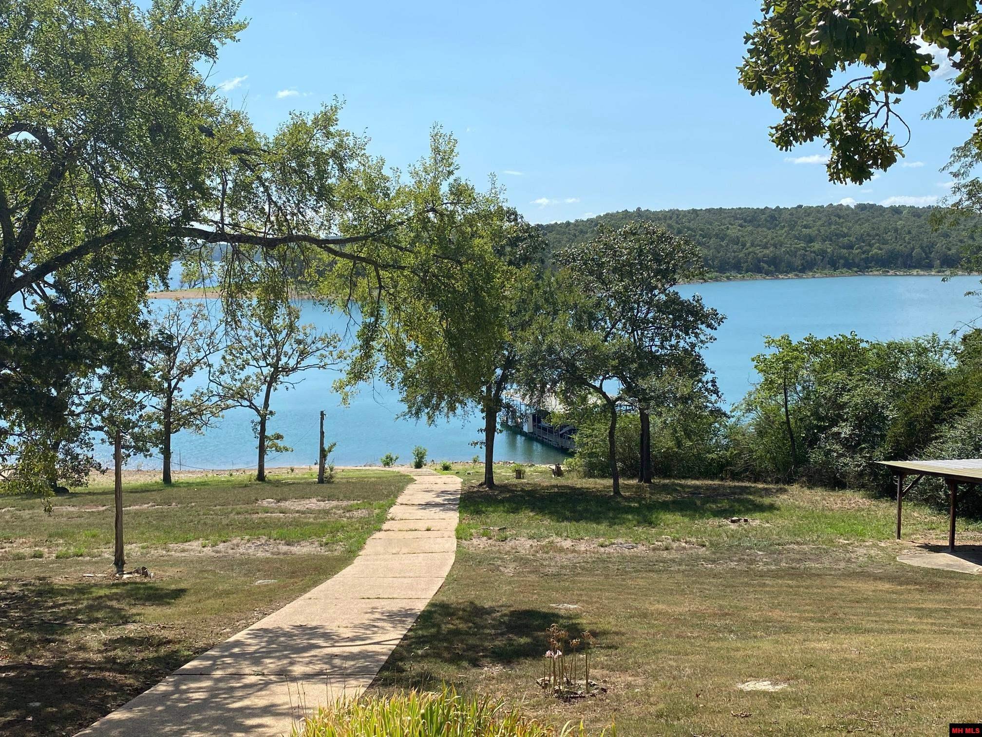 Residential for sale – 669  MALLARD POINT CIRCLE   Mountain Home, AR
